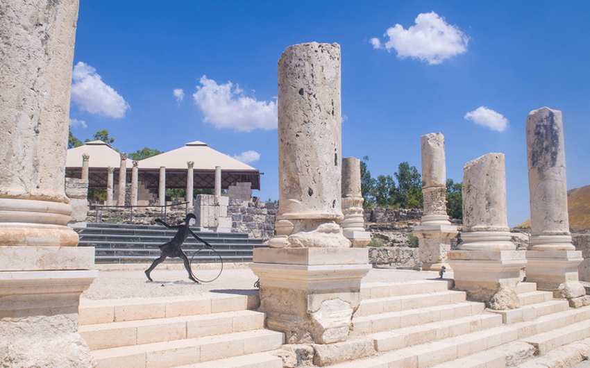 Ruins of the Roman city Scythopolis in the Beit Shean National Park