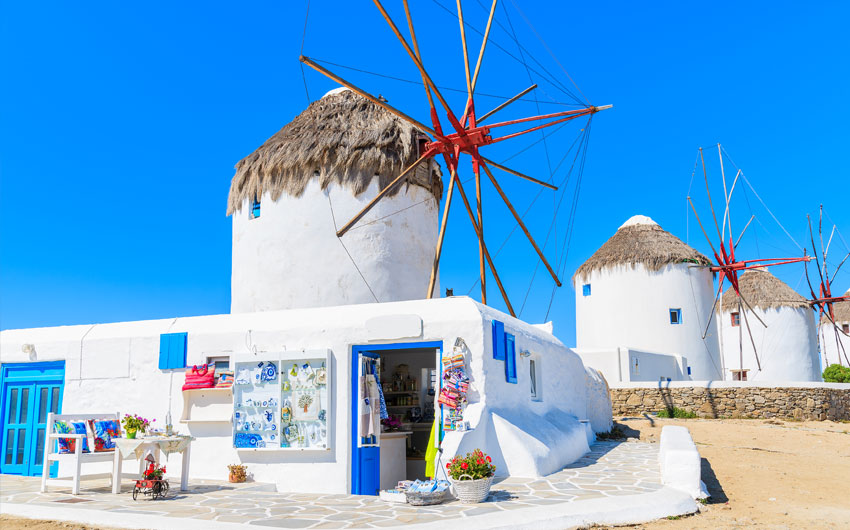 Shop souvenirs in Mykonos