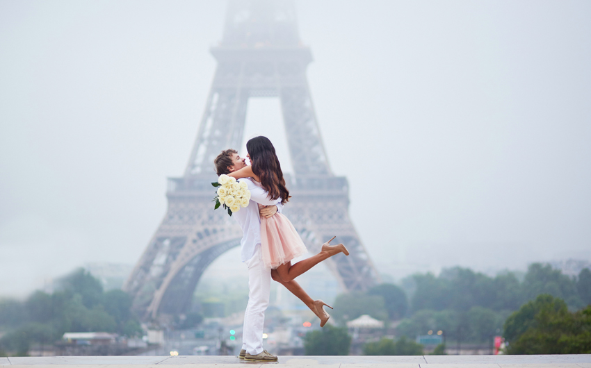 Eiffel tower romance