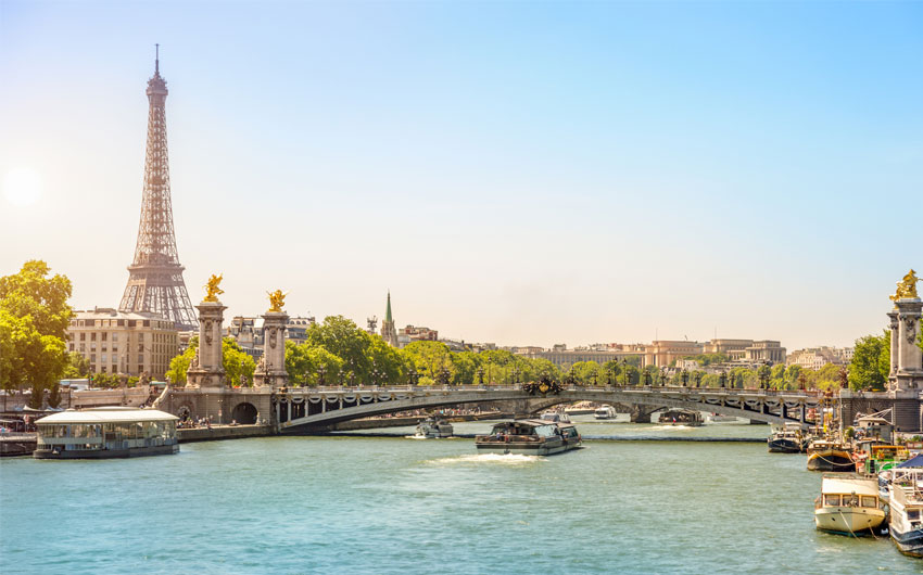 One-hour Seine River cruise