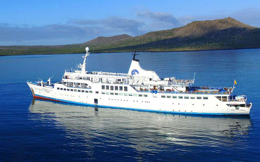 CRUISING THE GALAPAGOS ISLANDS - GALAPAGOS LEGEND