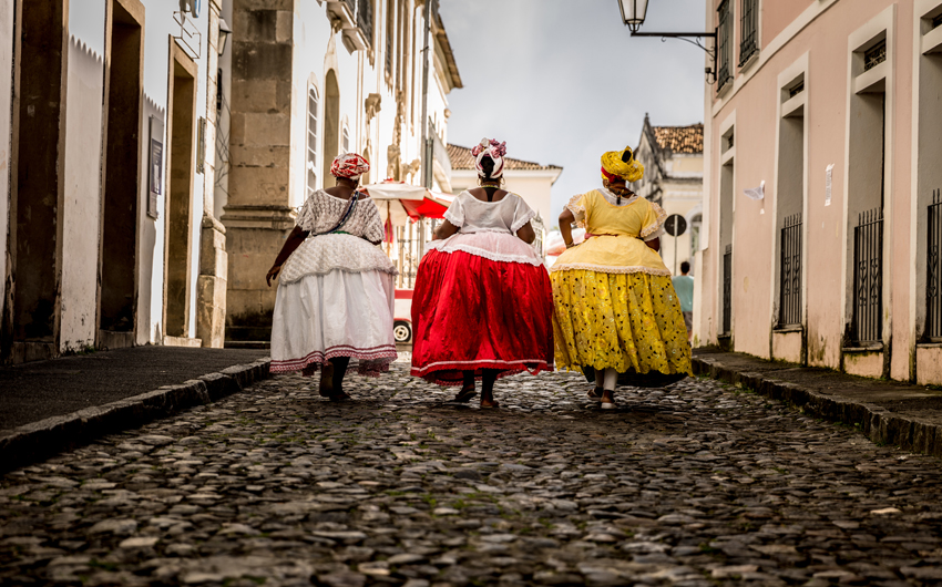 Baianas walking in the famous Pelourinho in Salvador