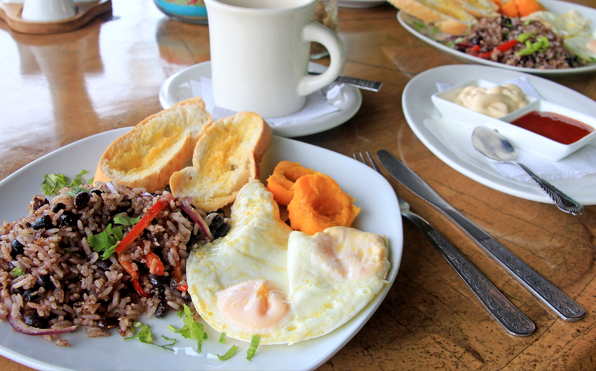 Traditional Gallo Pinto breakfast with eggs